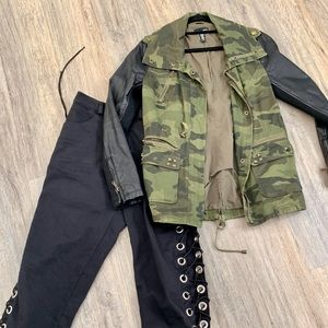 Jackets & Blazers - Dark green army jacket with black sleeves